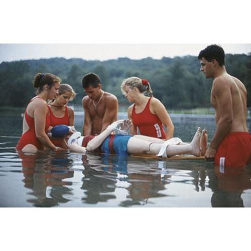 Wasserrettungspuppe Jugendlicher