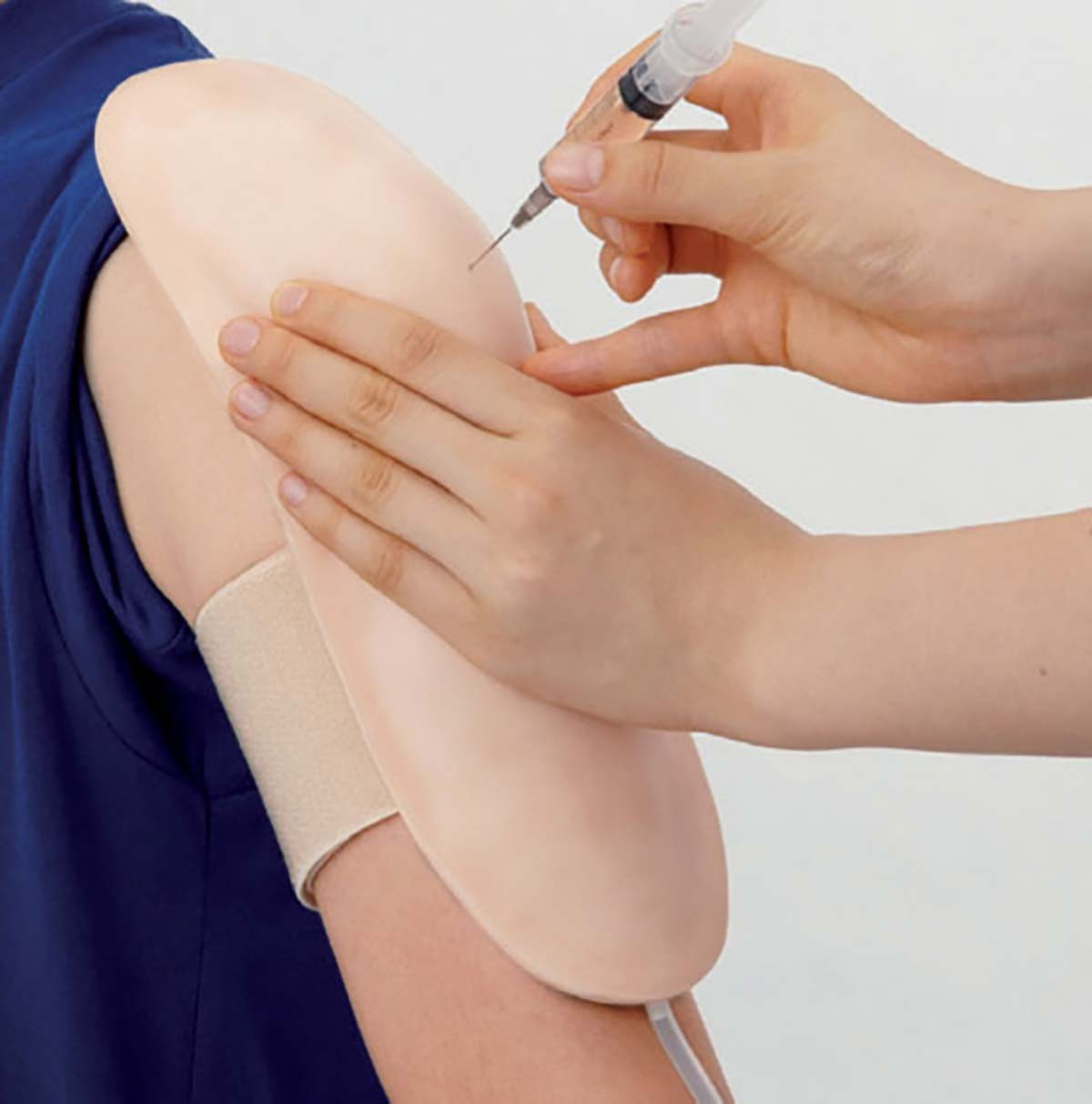 IM Injektionstrainer Oberarm zum Umschnallen 1